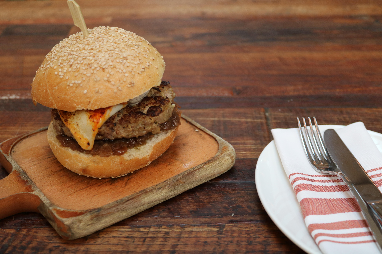 Celebra el Día de la Hamburguesa en #ElNacionalBCN